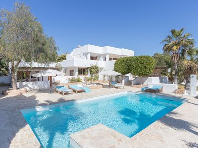 Photo for Luxury Villa Fuente in Ibiza, with private pool, tennis court, 6 bedrooms, 12 sleeps.