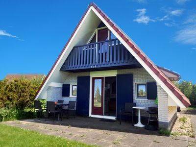 Photo for 6 pers. Pet-friendly house with fenced garden, near to Lauwersmeer