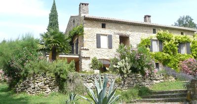 Photo for Polyphonic renovated Mas in vertràumter Provencal environment