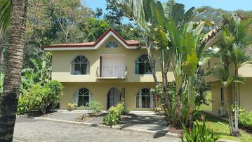 Close to Los Suenos/Jaco/Beaches! Private, Gated Community W/ Rainforest Views