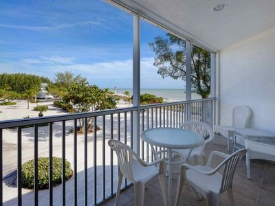 Kimball Lodge - 305 - At The Historic Island Inn!!! - Only 100 yards to the Beach!