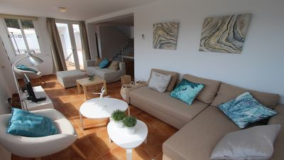 Photo for Lovely villa with private swimming pool, completely air conditioned and WIFI
