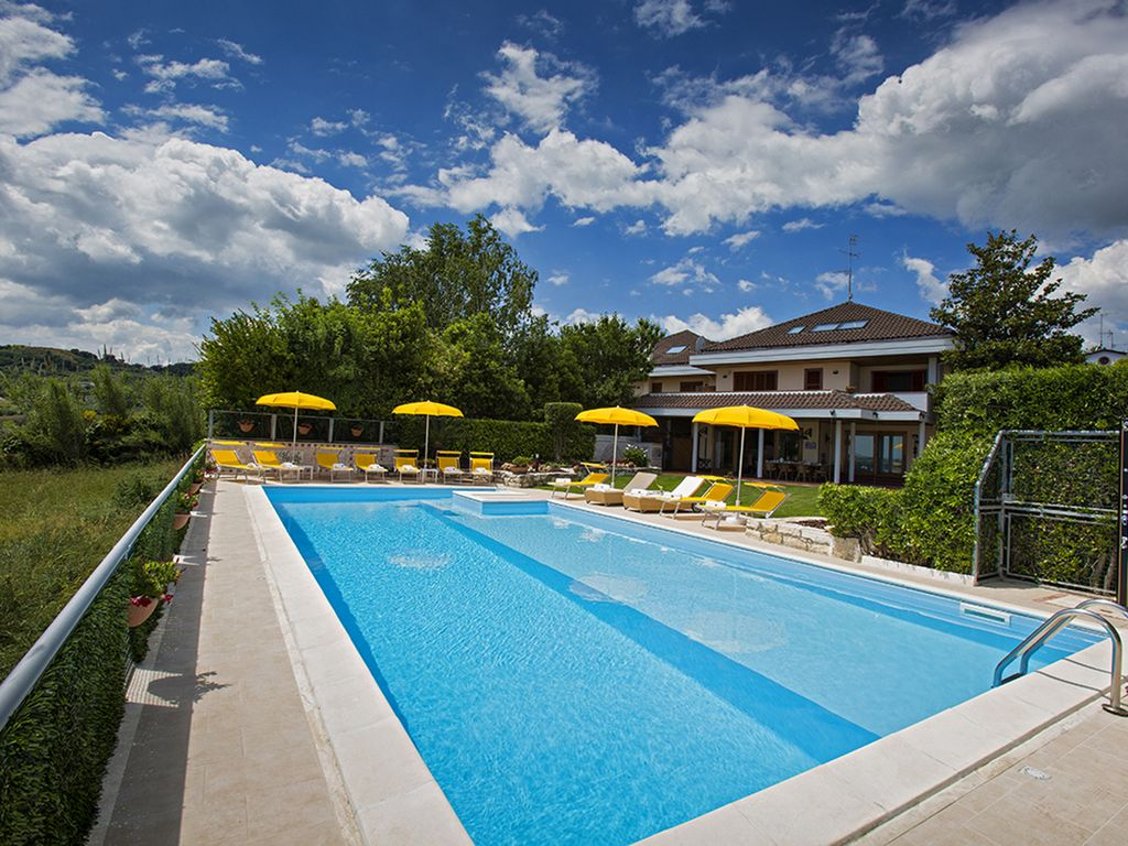 VILLA MASNITHO 12 sleeps, villa with privat... - VRBO