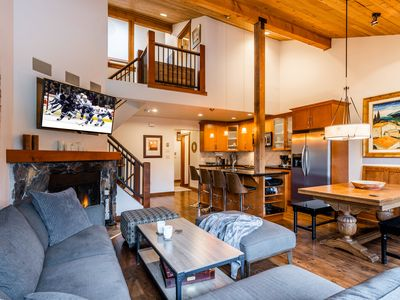 Best Location Available In Whistler Village Luxury 4 Bedroom Townhome