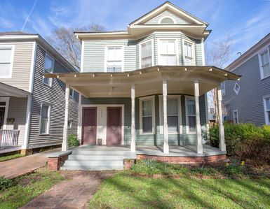 Photo for Beautiful Historic Downtown Apartment