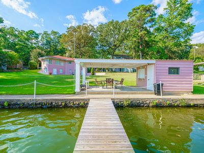 Photo for BEST LOCATION ON HAMILTON - Large Secluded 4BR 3.5 Bath Lakehouse - Sleeps 14