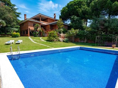 Photo for 5BR Villa Vacation Rental in Sant Vicenç de Montalt