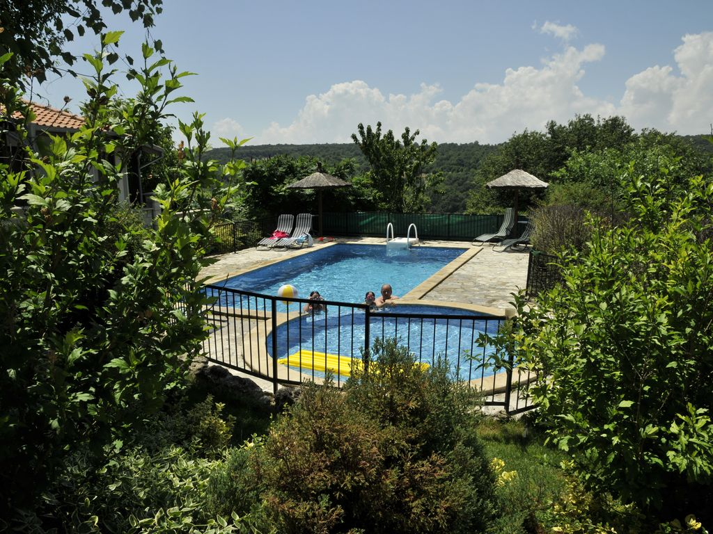 Self Catering Summer Cottage With Swimming Pool Kumanovo Varna Rentals And