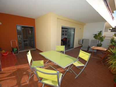Photo for Great 2 Bedroom Apartment With Pool & Wifi. Perfect Located!