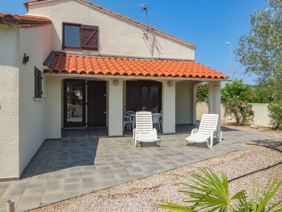 Photo for 3 bedroom Villa, sleeps 6 in Saint-Cyprien-Plage with WiFi