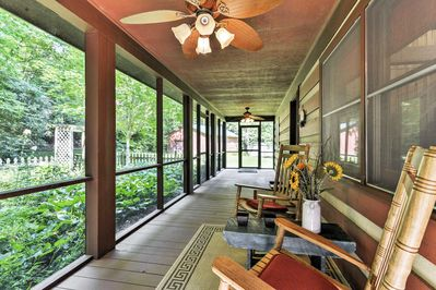Kick back and relax on the screened-in porch!