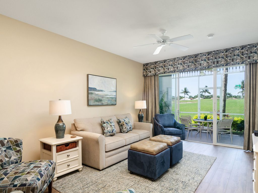 POINCIANA at Greenlinks - Newly Updated Fairway View Golf Villa - Naples