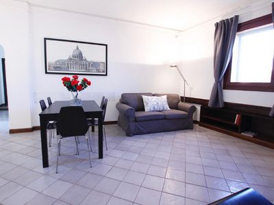 Photo for 100 m², 3 bedrooms 2 bathrooms for the Trevi Fountain 7 people