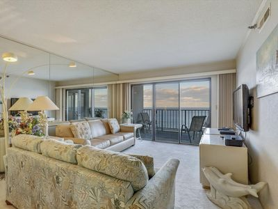 Photo for DAILY ACTIVITIES & LINENS INCLUDED*!   DIRECT OCEANFRONT!  COMMUNITY POOL