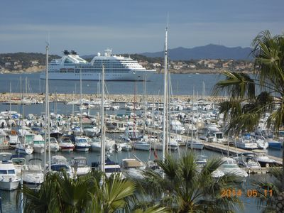 Photo for Beautiful T3 on the harbor with panoramic views of the sea and all within walking distance!