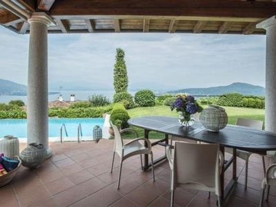 Photo for Elegant 5½-room villa with infinity pool and dream view