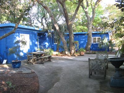 La Casita Cottage Courtyard Area