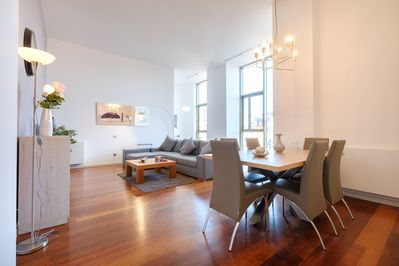 Luxury Central Angel 5 Three Bedroom Apartment In Barcelona
