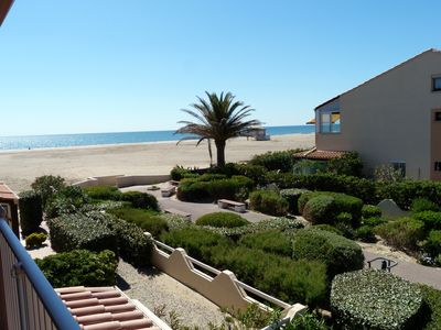 Photo for Mezzanine 2 bedroom apartment sea view and direct beach Gruissan