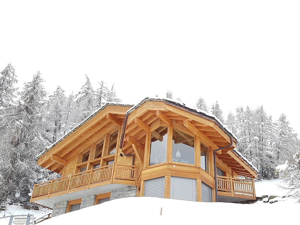 Chalet catherine stunning chalet for 6 with feature windows in master bedroom riddes