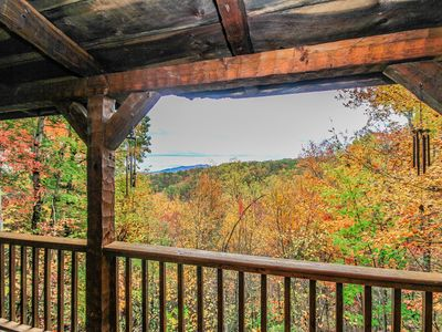 Mountain View, Pet Friendly 2BR2BA, Sleeps 6, Btwn. G. Burg&P.Forge, Hot Tub