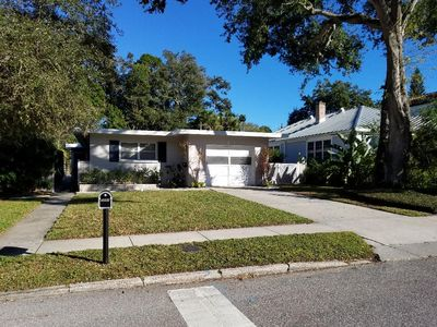 HEART OF SARASOTA  Mid-Century charmer- walk to downtown and Bayfront Park