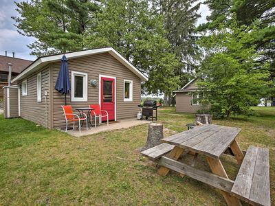 Photo for Cozy Suttons Bay Cottage w/Shared Dock & Fire Pit!