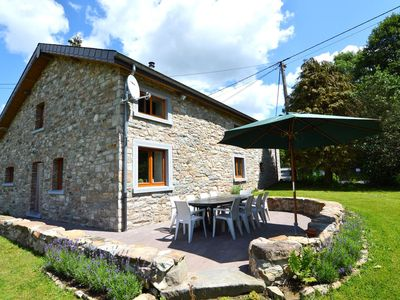 Spacious house in authentic Ardennes style with beautiful, sunny garden