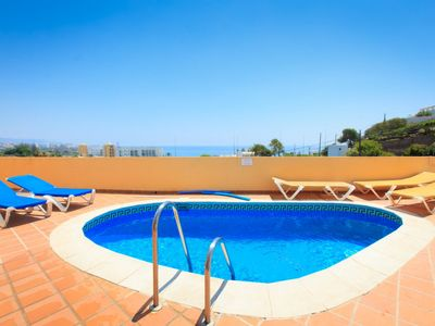 Photo for Nerja Apartment, Sleeps 4 with Pool, Air Con and Free WiFi