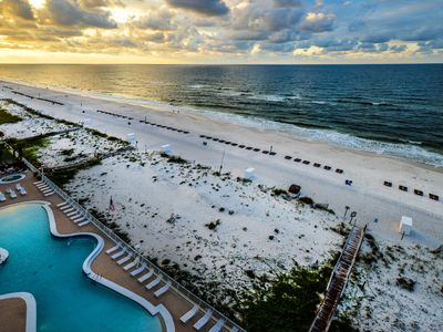 Photo for Gulf Front~Amazing Decor'~Book Now for a Fantastic Fall Vacay!