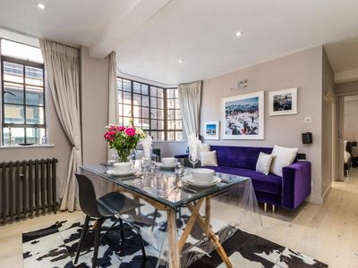 Photo for Super Luxurious 1BD Flat in the Heart of Chelsea!