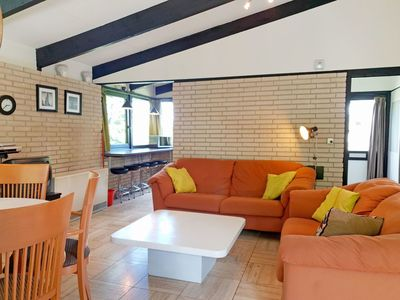 Photo for Lovely apartment for 5 people with pool, WIFI, TV, pets allowed and parking