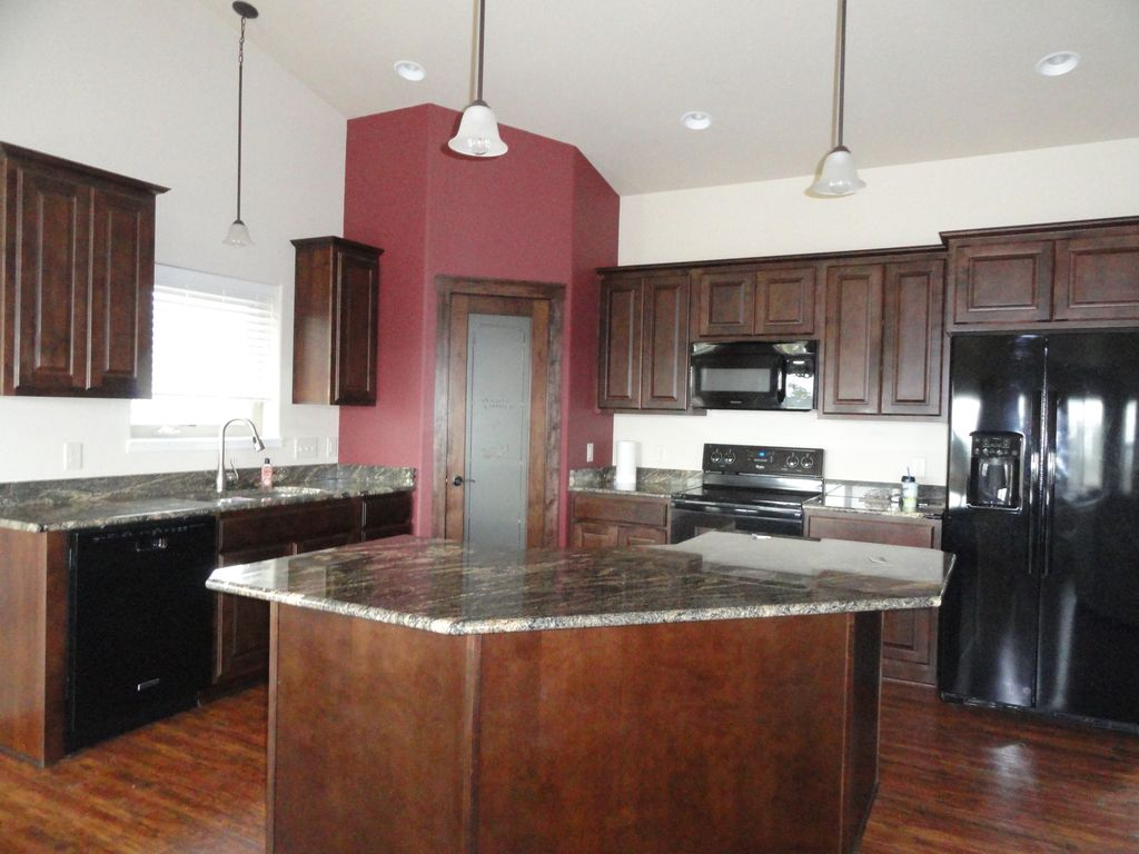 First Class Vacation Home In The Heart Of The Black Hills - First class vacations