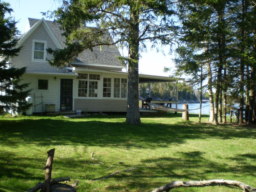 Maine Island Beachfront Cottage With Magnificent Views Of