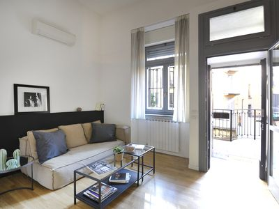 Photo for Lovely, renovated 2br with terrace (central station)