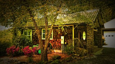 Photo for Mountain Getaway is just minutes from Downtown Bryson City.