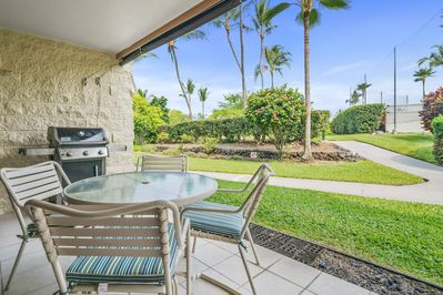 Lanai with patio table and BBQ
