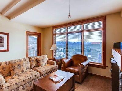 Photo for Luxury 2B condo with incredible Elk Mtn Range views