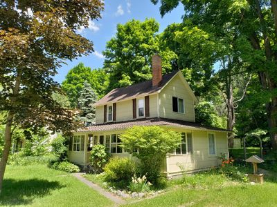 Photo for WALK TO TORCH LAKE FROM THIS QUAINT OLDER ALDEN COTTAGE