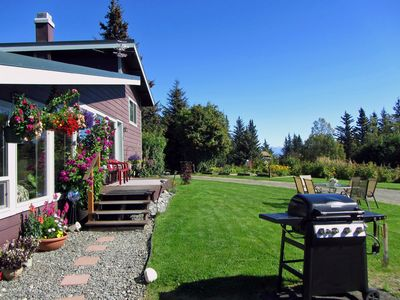 Comfortable Home Close To Town With Stunning View And Lovely Outdoor Space
