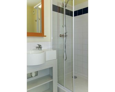 Photo for Lovely apartment for 5 guests with pool, WIFI, TV, balcony, pets allowed and parking