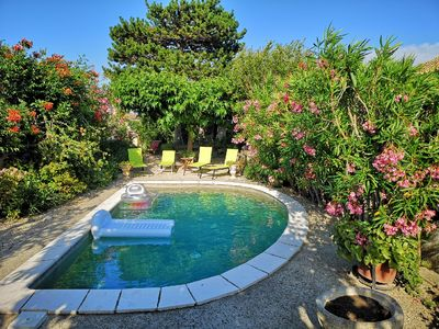 Photo for Charming air-conditioned villa with private pool at the foot of the Alpilles