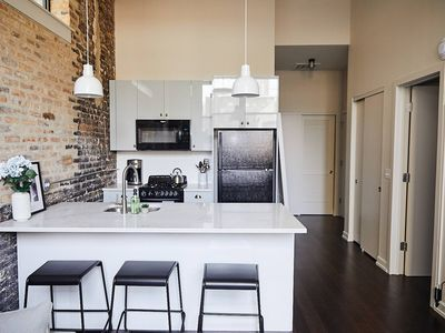 Photo for Synagogue 114 · Snowdrop - Stylish 1 Bed in Trendy Uptown