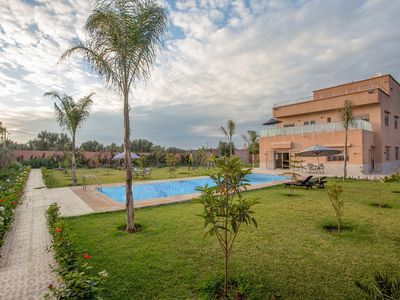 Photo for Superb villa with private pool not overlooked