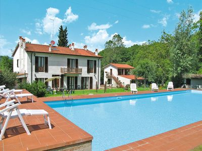 Photo for 11 bedroom Villa, sleeps 25 in Casa Rossi with Pool and WiFi
