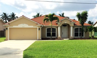 2122 SE 14th Terrace Cape Coral, Florida 33990 on a direct gulf access canal