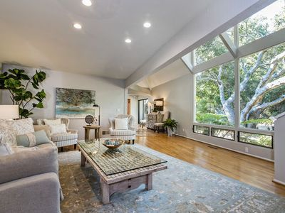 Photo for Tranquil Montecito Villa - Walking Distance to the Upper Village!