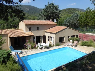 Photo for Provençal Country Villa with Pool and Tennis Court