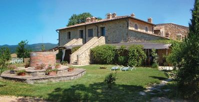 Photo for Holiday apartment Casole d'Elsa for 4 persons with 2 bedrooms - Holiday apartment in a villa