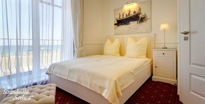 Photo for No. 04 - 1st floor double room with sea view and french balcony - beach villa Seelust